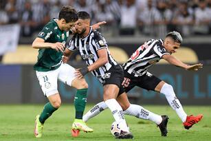 Tras un empate 0-0 en la ida Atlético Mineiro y Palmeiras repiten dosis, pero como el empate fue con 1-1 Palmeiras obtiene su pase a la final por el gol de visitante.