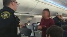 Pasajera trató de abrir una puerta de emergencia en pleno vuelo en EEUU