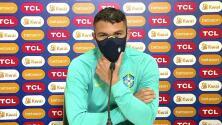 Thiago Silva no entiende que fans brasileños apoyen a Argentina