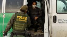 """""""Me arrepiento de haber venido"""": aumentan las detenciones de inmigrantes ecuatorianos que cruzan la frontera sur de EEUU"""