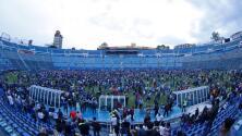 Caos en el estadio Azul tras partido de leyendas