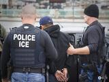 Arrestos de ICE en 2021 caen al nivel más bajo en más de una década