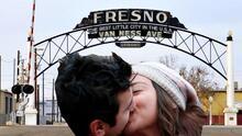 Así reaccionaron residentes de Fresno al saber que viven en una ciudad 'top' para solteros, según estudio