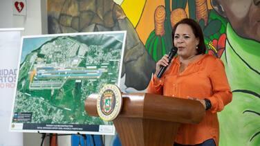 """Alcaldesa de Aguadilla insiste en su lucha para anular los """"pivazos"""""""