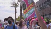 Policías de Phoenix arrestan a 10 personas en la protesta contra la senadora Kyrsten Sinema y el filibusterismo
