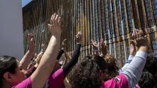 Separados por el muro y con el corazón dividido: el drama de las madres deportadas con hijos en EEUU