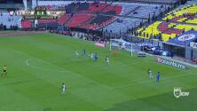 ¡La que se perdió Cruz Azul! Orbelín tuvo el 1-0 y la reventó en el poste