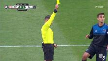 Tarjeta amarilla. El árbitro amonesta a Chris Wondolowski de San Jose Earthquakes