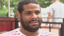 """""""Mentalmente la recuperación ha sido complicada"""": dominicano que fue golpeado por oficiales mientras se prendía en llamas"""