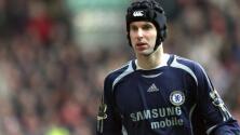 Petr Cech deja su cargo directivo para volver a tapar en el Chelsea