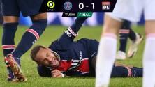 Neymar sale en camilla y llorando tras dura entrada