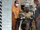 """Pelé presume avances en su recuperación: """"Pedaleando así, en breve vuelvo a Santos"""""""