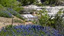 Escápate a este parque estatal que esconde un manantial de agua cristalina en el norte de Texas