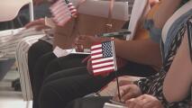Más de 120 personas cumplen su sueño de convertirse en ciudadanos en el Capitolio de Utah