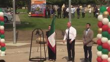 La bandera mexicana ondeó en el Palacio Municipal de Fresno
