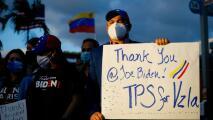 Venezolanos en Weston participan en una caravana para celebrar el TPS ofrecido por el gobierno de Biden