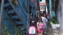 Maestra venezolana abre las puertas de su hogar para convertirlo en un improvisado salón de clases