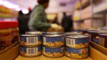 14 estados presentan demanda contra medida que busca reducir programa de cupones de alimentos