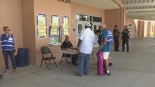 Habitantes de Palm Beach Gardens no bajan la guardia ante el posible paso del huracán Dorian