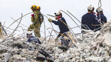 """""""Nuestros corazones se rompen"""", se acaban las esperanzas de hallar sobrevivientes entre los escombros de Surfside"""
