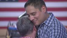 Madre se reúne con su hijo de 38 años; al nacer le dijeron que había muerto