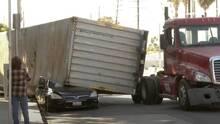 Problemas con camiones de carga en el puerto de Los Ángeles afectan a habitantes de ciudades cercanas