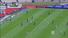 ¡De tijera! Otra vez Carlos González se queda cerca de marcar el tercero