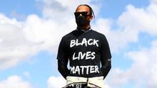 Denuncian ataques racistas contra Hamilton por choque con Verstappen
