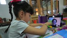 Familias con hijos en escuelas públicas de NYC pueden recibir hasta $50 de descuento mensual para Internet