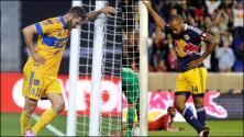 El homenaje de André-Pierre Gignac a Thierry Henry
