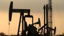 """""""Ese tipo de extracción no se ve en comunidades blancas"""": activista habla del campo petrolero en Inglewood"""