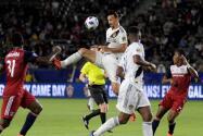 """Zlatan desecha rumores de retorno a Milán:""""El mundo me quiere pero Galaxy me tiene"""""""