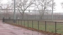 Buscan al sospechoso de violar a una mujer en un parque de Brooklyn