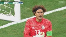 Celebró México… con atajada de Ochoa: Memo evitó el quinto de Argentina a mano cambiada