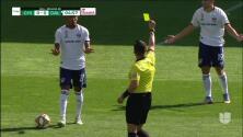 Tarjeta amarilla. El árbitro amonesta a Jesús Ferreira de FC Dallas