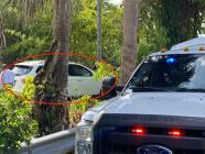 Así recuperan del fondo de un canal el vehículo usado en el tiroteo de Miami-Dade