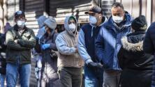 """""""La pandemia no se ha ido"""", CDC vuelve a recomendar a los vacunados el uso de mascarillas en espacios cerrados y públicos"""