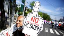 """""""Bukele, ladrón, exigimos tu dimisión"""": salvadoreños salen a la calle a protestar contra el presidente"""