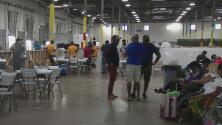 Así están brindando ayuda a inmigrantes haitianos que han llegado a Houston en los últimos días
