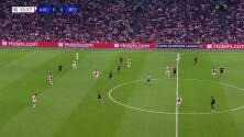 ¡GOL!  anota para Ajax. Steven Berghuis