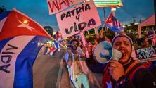 """""""Tenemos que seguir haciendo ruido"""": marchan por las calles de Miami para exigir la libertad de Cuba"""