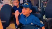 Sueño cumplido: niño de 7 años es nombrado Oficial Honorario por la Policía de Nueva York
