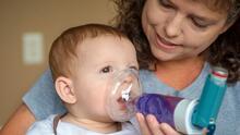 Aumentan casos de virus que comprometen las vías respiratorias de niños en Chicago