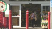 Sucursal de Trader Joe's reabre sus puertas tras tiroteo en el que murió una hispana