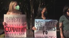 """""""Las personas están sufriendo y recurren a las drogas para aliviar su dolor"""": activistas en Austin piden más recursos para atender a víctimas de sobredosis"""
