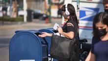 Varios estados rechazan los cambios en el correo que incluyen demoras, precios más altos y menos horas de atención