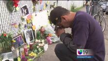 Dolor y lágrimas entre familiares de las víctimas del incendio en un almacén en Oakland