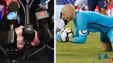 Ahora los jugadores de fútbol son comentaristas mientras están en el partido