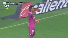 ¡Se pierde el gol! 'Fideo' Álvarez remata solo y perdona a Chivas