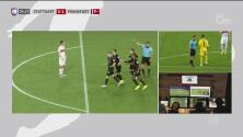 El VAR anula el primero del Frankfurt a los tres minutos del pitazo inicial
